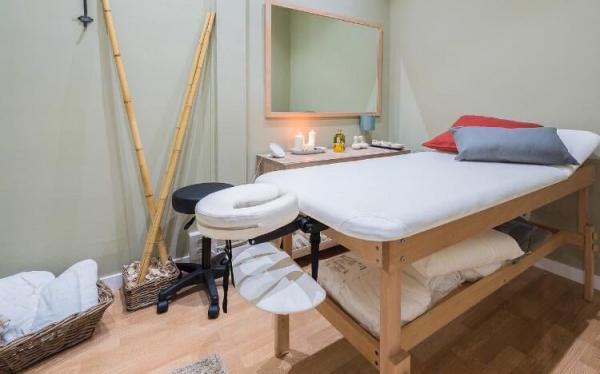 Cabina para masajes beautymarket est tica anuncios for Registro bienes muebles barcelona telefono