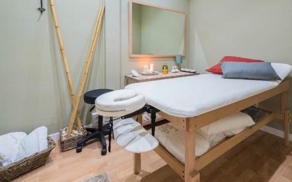 Cabina De Estetica En Alquiler Barcelona : Alquiler de cabina para masajes estetica beautymarket estética