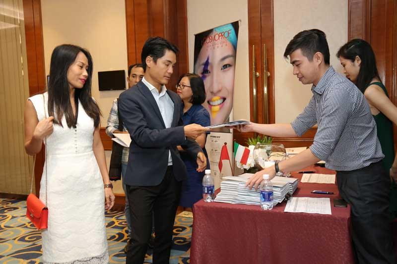 Vietnam acoge la presentación de la 50ª edición de Cosmoprof Worldwide Bologna