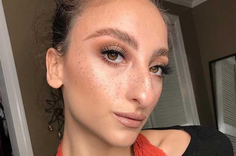 Última tendencia en belleza: falsas pecas