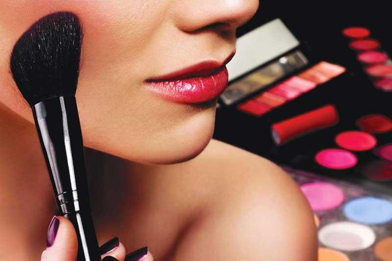 Jatier incorpora una nueva marca de maquillaje: Evolux