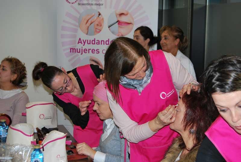 El Hospital Álvaro Cunqueiro de Vigo acoge por primera vez el programa Ponte guapa, te sentirás mejor