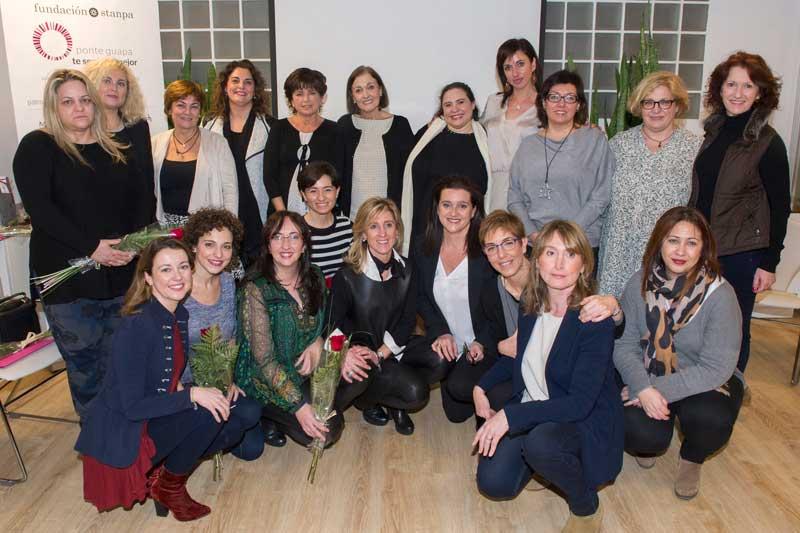 La Fundación Stanpa forma sobre la importancia del cuidado de la piel en las mujeres en tratamiento oncológico
