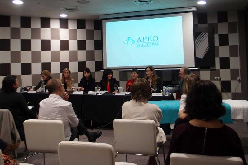 Barcelona acoge la presentación de la Asociación Profesional de Estética Oncológica, APEO