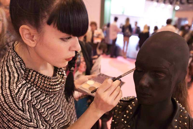 Entrevista a Lola Gómez conocida como Lolita en el mundo del maquillaje