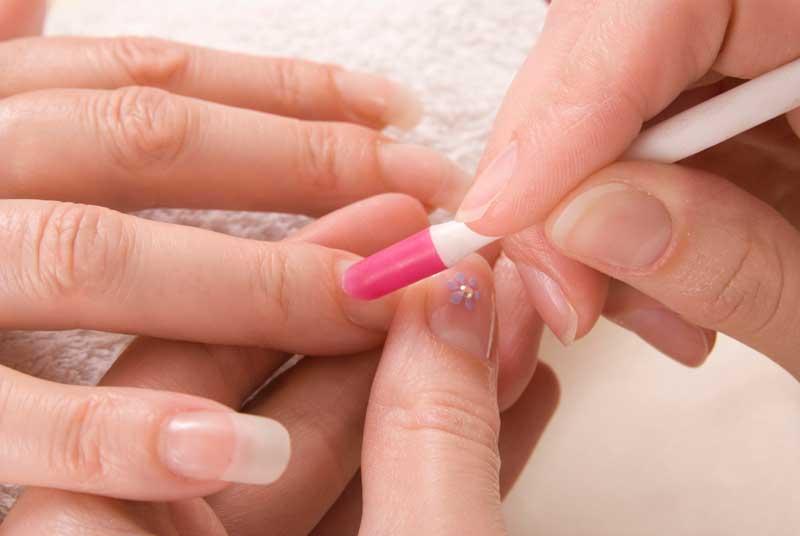 Ventajas e inconvenientes de las uñas de gel y las acrílicas