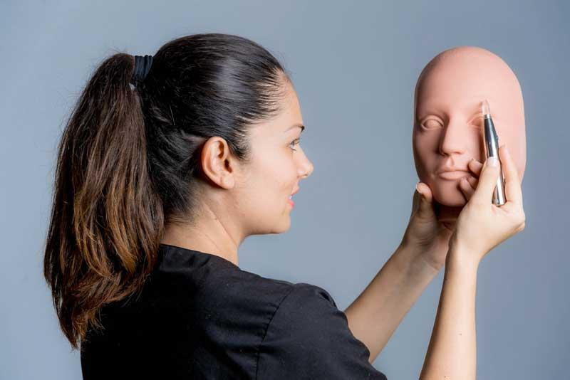 Máster en micropigmentación de labios en Barcelona Beauty School