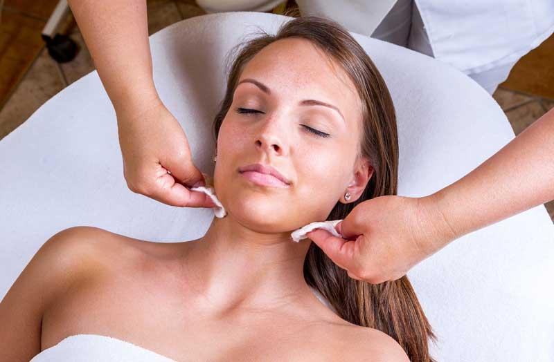 [ comfort zone ] lanza su gama Essential para una limpieza extrema de la piel