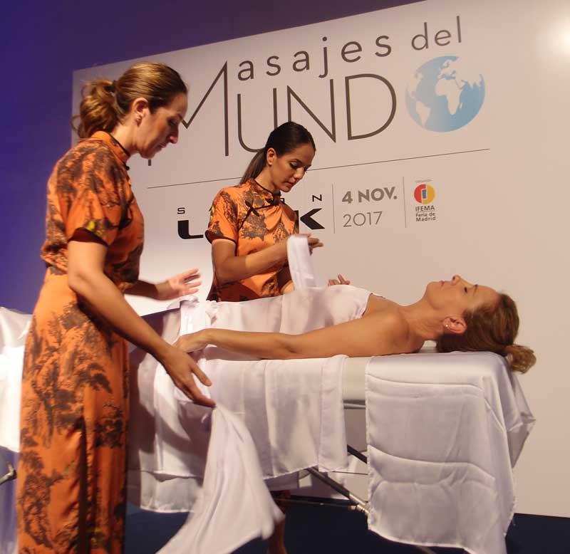 Los Talleres del Masajes del Mundo de Salon Look acogen una buena participación de asistentes