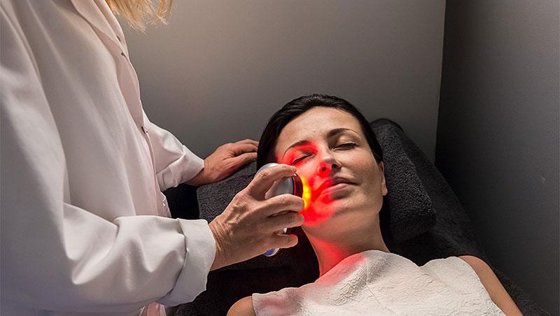 Tratamiento facial en Aloft Health boutique