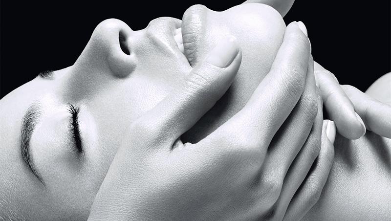 Tratamiento facial Sothys para aliviar el estrés de la tecnología digital