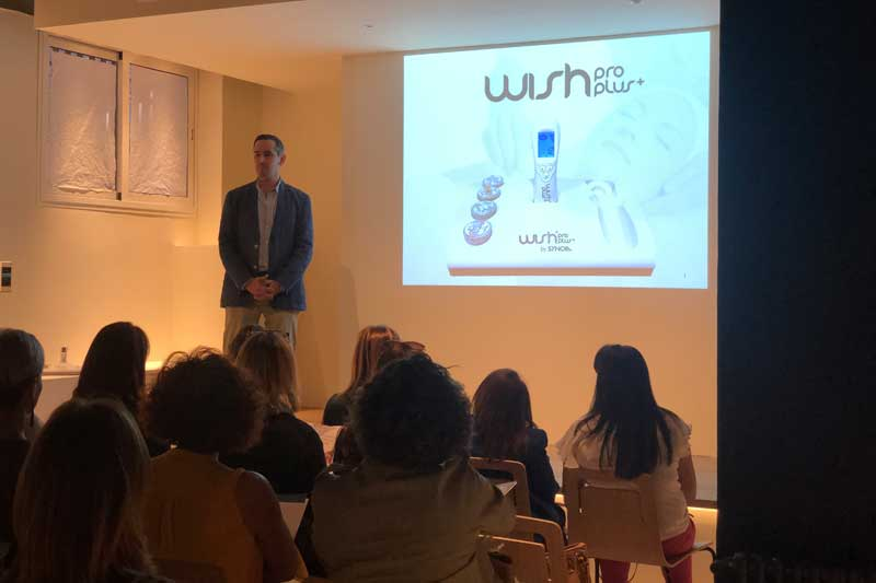 Presentacion de wishpro en Studio Beauty Market Madrid