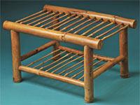 mesa fabricada en madera de bambú