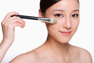 El mercado le da la espalda al maquillaje en favor de bases m�s ligeras.