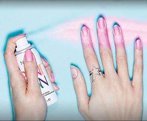 Nails lanza el primer esmalte de uñas en spray del mundo