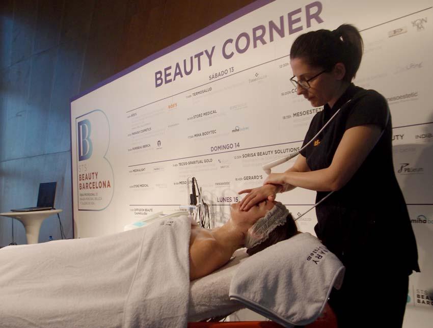 Beauty Corner, el rinc�n de las demostraciones de est�tica en STS Beauty Barcelona.