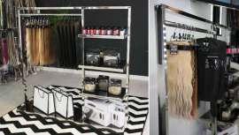 La firma enumera las ventajas de colocar un córner Elegance Hair Extensions en cualquier negocio de peluquería