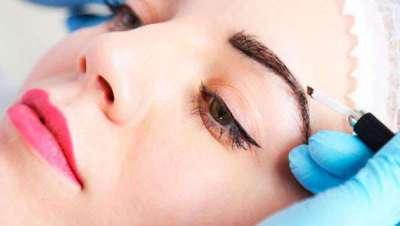 Microblading o diseño de cejas pelo a pelo