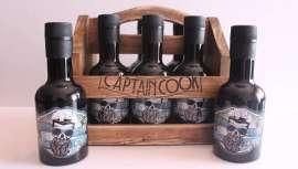 Refresh se presenta con una imagen y packaging que nos traslada a la época de los legendarios piratas, en un atractivo expositor de madera