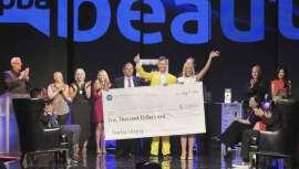 Sunlights Balayage, la compañía creada por la propietaria del salón Jamison Shaw Hairdressers hace dos años, se hizo con el oro en la gala celebrada el pasado 10 de agosto en el Mandalay Bay Resort & Casino, en Las Vegas (Nevada)