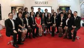El equipo internacional de Selvert Thermal participó en el certamen Cosmobeaute de Kuala Lumpur y días después realizó un seminario teórico-práctico