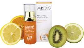 Gracias a la vitamina C, reduce el fotoenvejecimiento, estimula la producción de colágeno y proporciona mayor luminosidad a la piel