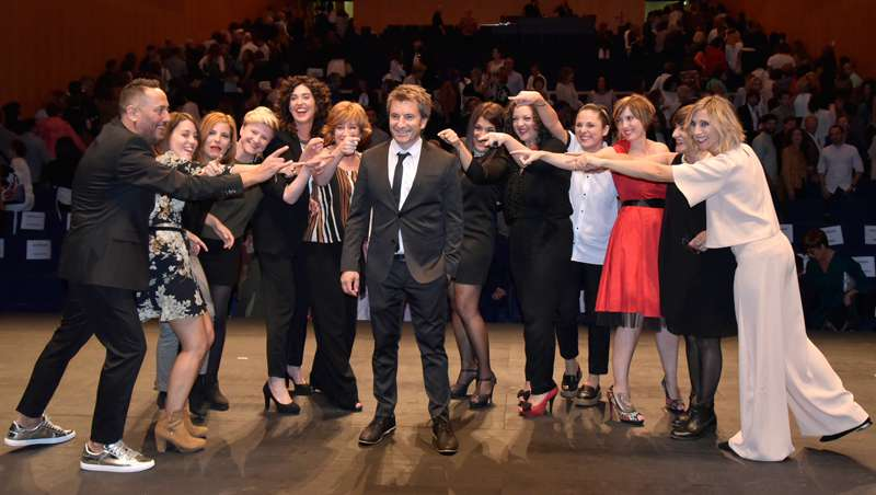 Mikel Luzea celebra su 20º aniversario por todo lo alto de la mano de Revlon Professional