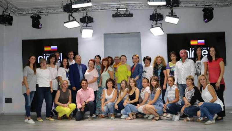 Visita al centro de tecnificaci�n de Nirvel Cosmetics desde Rusia