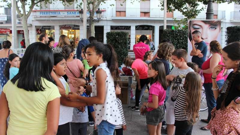 Mazuelas inaugura nueva tienda en Torrej�n de Ardoz con la presencia del alcalde