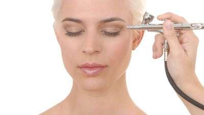 Maquillaje profesional en Alta Definición para aplicar con la técnica del aerógrafo