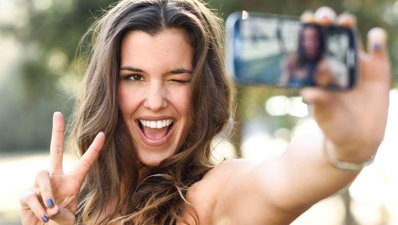Cl�nicas DEN busca la mejor sonrisa de Barcelona en los premios #SonrisaDEN