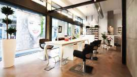 Pietranera presenta esta mesa técnica que puede agrupar dos o más clientes. La firma ha desarrollado estas piezas de mobiliario en varias tendencias y estilos decorativos a elegir