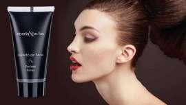 Se emplea en la cara, cuello, escote y cualquier superficie de la piel donde se desee conseguir un efecto de acabado mate y sedoso