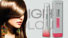 Los tintes de cabello de la marca Tassel Cosmetics, con 44 tonos donde elegir, dan al cabello un aspecto más saludable. Colores naturales, vibrantes e intensos