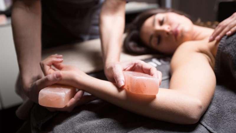 [ comfort zone ] presenta Salt Treatment Massage Ritual, bienestar y relajación en todos los niveles