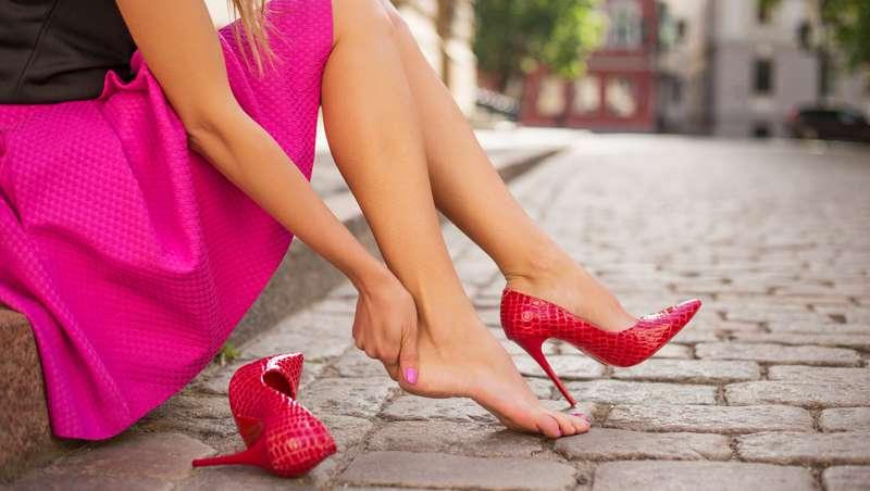 La cirugía Cenicienta o adecuar los pies a los zapatos