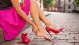 Se basa en modificar el tamaño y la forma de los pies para adecuarse a los zapatos preferidos por las mujeres, entre otros objetivos