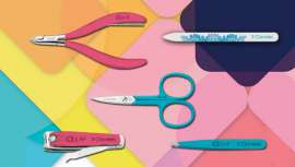 Esta línea permite lucir unas uñas bonitas y cuidadas, gracias a sus artículos de tacto soft touch