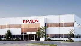 Con estas medidas, Revlon organiza la empresa para reducir costes. Las razones se deben a la adquisición de la marca Elizabeth Arden