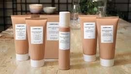 Está realizado con fórmulas conscientes con base científica, sin siliconas para una belleza real activa, con un 92% de ingredientes de origen natural