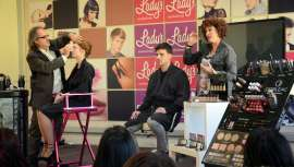 El evento de maquillaje, patrocinado por D