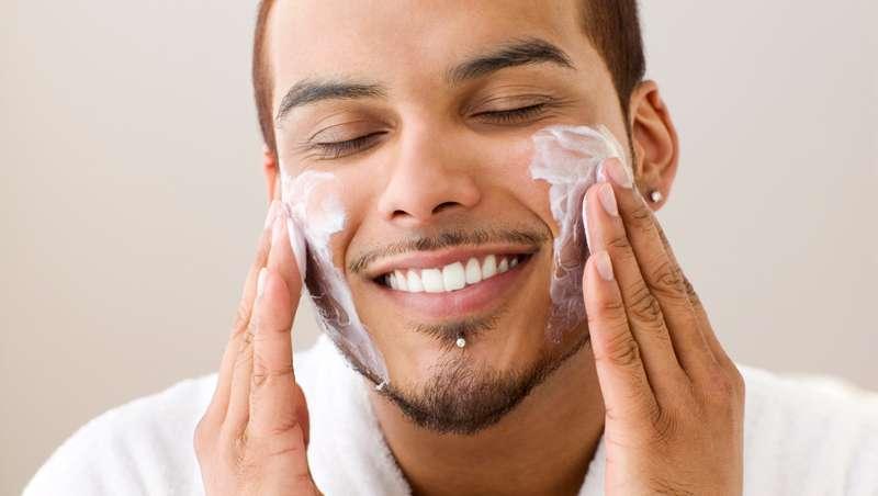 Barbas e bigodes fazem crescer o mercado de cosmética masculina