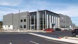 La firma, fundada por el estilista Andrew Dale y especializada en cuidado profesional capilar, acaba de abrir las puertas de su nueva sede en Carlsbad (California)