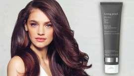 Living Proof surpreende-nos mais uma vez com o lançamento de um reparador que fornece uma solução visível e instantânea, permitindo o crescimento natural do cabelo