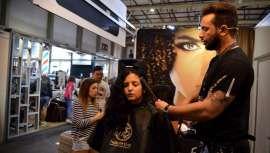 A marca brasileira promete um liso sem frizz e sem danificar os fios de cabelo que dura entre 3 a 4 meses com Bio Straight.
