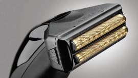 El emblemático modelo es único en el mercado debido a su gran potencia, su facilidad de manejo, su motor rotativo, las cuchillas cero y el cabezal de afeitado en un solo click