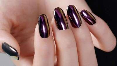 Uñas de espejo, la tendencia de las uñas cromadas