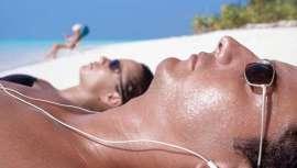 Las formulaciones incluyen vitaminas que nutren la piel y otros elementos que estimulan la producción de colágeno y elastina