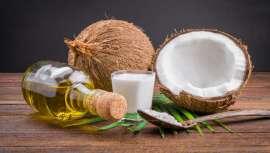 Proveniente de países asiáticos, o coco não é bom apenas para consumir. As suas propriedades a nível corporal permitem uma pele renovada e tem diversas aplicações na cosmética