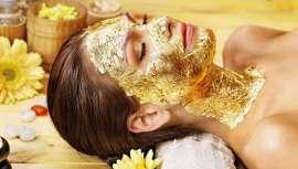 As excelências do ouro e do caviar são muito apreciadas tanto à mesa como na joalharia, enquanto também são excelentes para o cuidado da pele. Unidos em tratamento específico conferem ao rosto energia, vitalidade e ação anti-envelhecimento